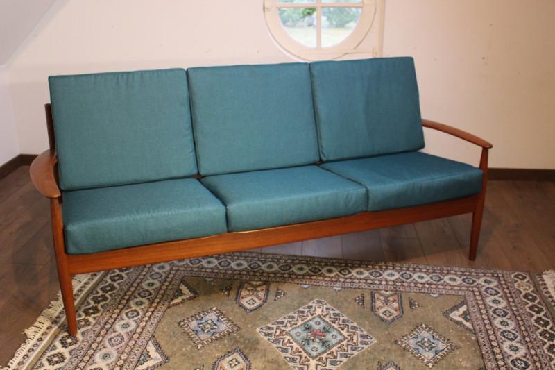 canap mod le 118 en teck par grete jalk les vieilles choses. Black Bedroom Furniture Sets. Home Design Ideas