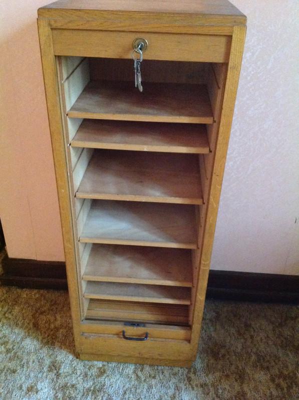 meuble classeur rideau bois vintage les vieilles choses