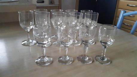 Lot petits verres anciens