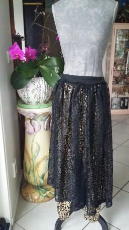Jupe dentelle noire leggings doré soirée vintage disco