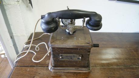 Ancien téléphone 1934