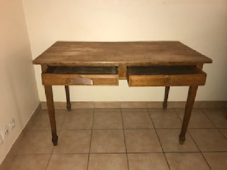 Bureau pin massif deux tiroirs vintage les vieilles choses