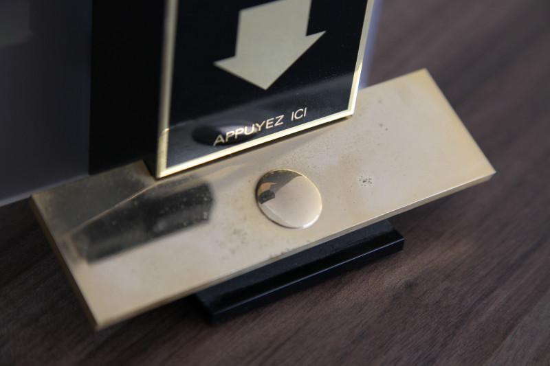 Présentoir de comptoir parfum CHANEL vintage - Les ...