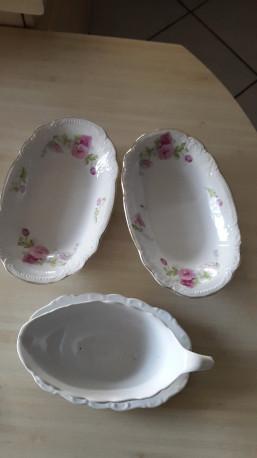 Lot de petites porcelaines