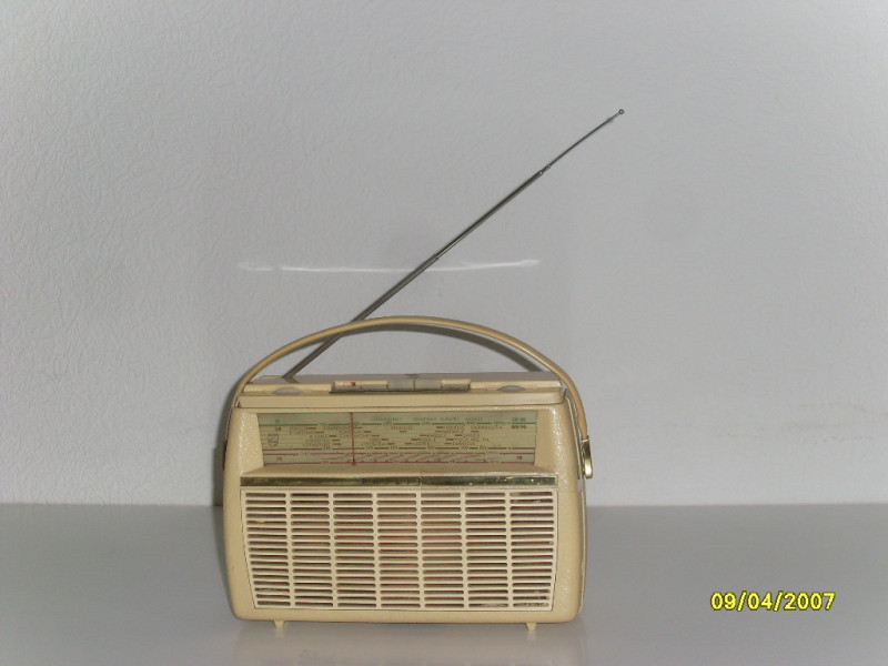 poste radio portable transistor vintage 60s philips l3w12t les vieilles choses. Black Bedroom Furniture Sets. Home Design Ideas