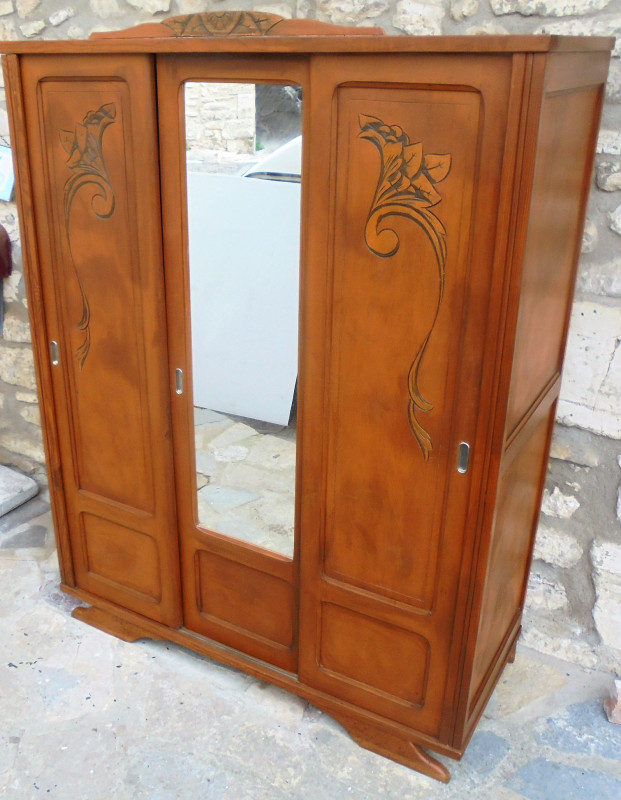 armoire ann es 50 vintage les vieilles choses. Black Bedroom Furniture Sets. Home Design Ideas