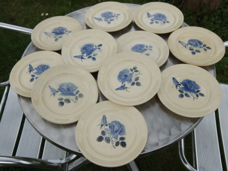 """Lot de 11 assiettes à dessert Digoin """"roses bleues"""""""