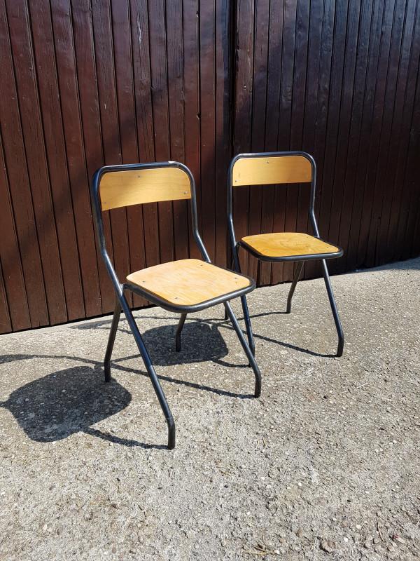 paire de chaises d 39 cole vintage les vieilles choses. Black Bedroom Furniture Sets. Home Design Ideas