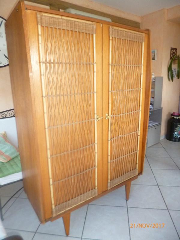 armoire penderie osier rotin placage 1960 vintage les. Black Bedroom Furniture Sets. Home Design Ideas