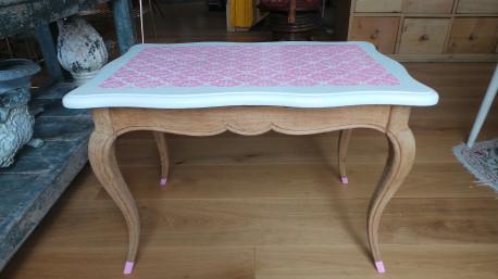 Table basse vintage style Louis XV revisitée