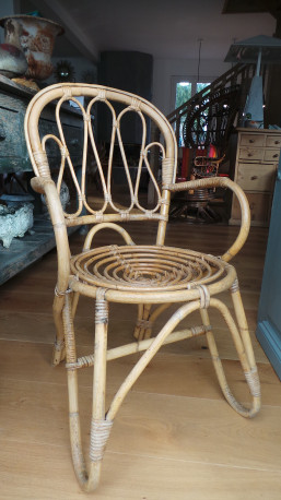 Chaise en rotin vintage les vieilles choses for Chaise auto pour bb