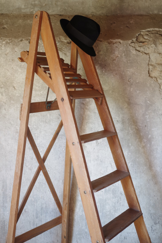 escabeau peintre chelle ancienne bois les vieilles choses. Black Bedroom Furniture Sets. Home Design Ideas