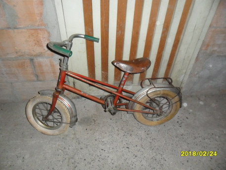 Vélo enfant ancien