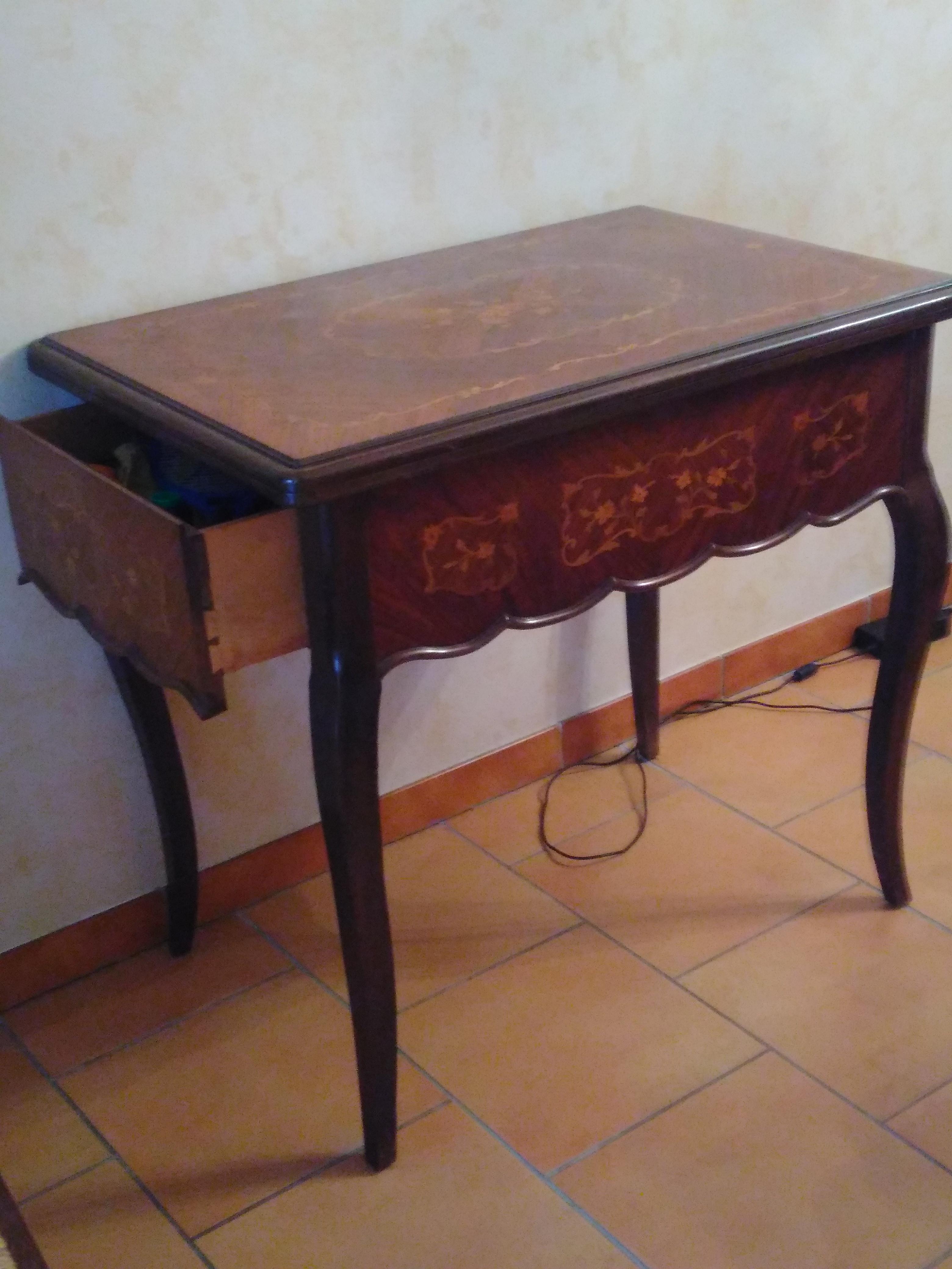 Machine A Coudre Ancienne table marqueterie bois de rose avec machine à coudre ancienne incorporée  vintage