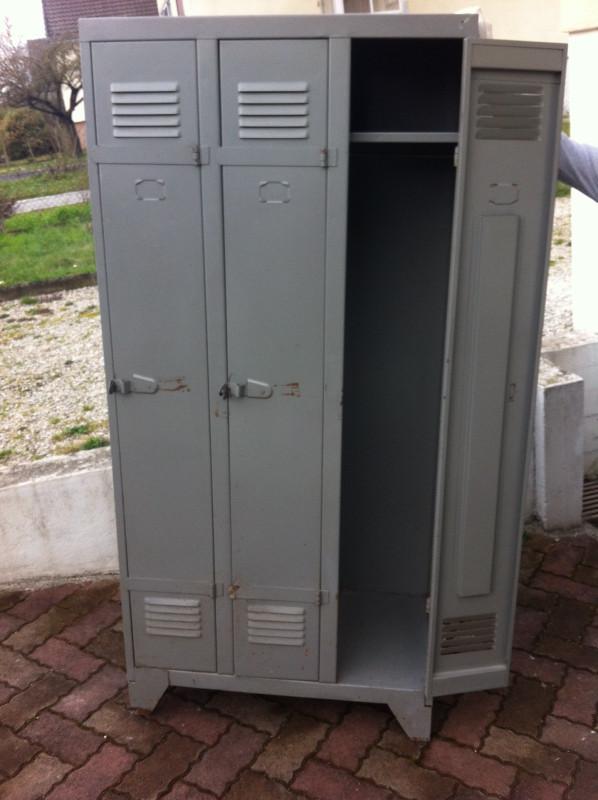 vestiaire armoire metallique vintage les vieilles choses. Black Bedroom Furniture Sets. Home Design Ideas