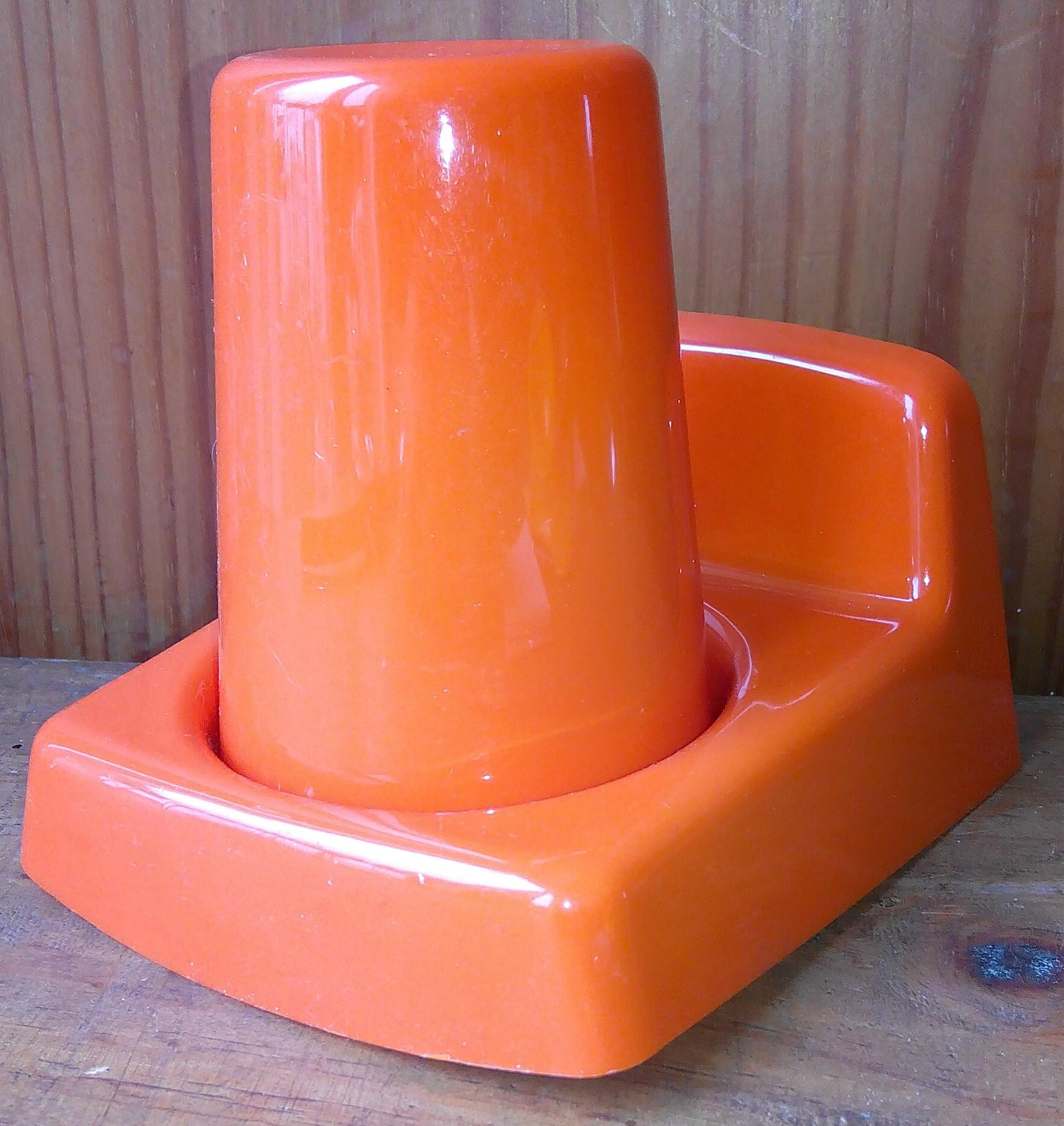 Gobelet de Salle de Bain mural Orange, Années : 70 - Les Vieilles Choses