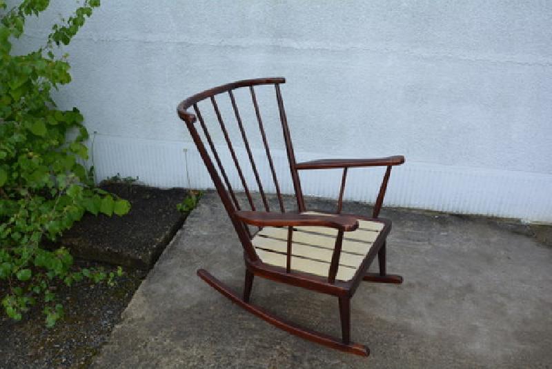 fauteuil bascule rocking chair baumann les vieilles choses. Black Bedroom Furniture Sets. Home Design Ideas
