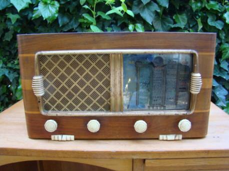 Poste de radio larrieu ancien