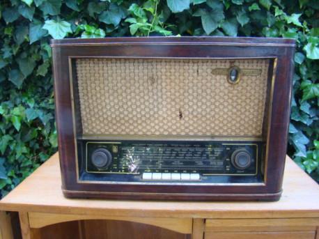 Poste de radio DESMET vintage 60