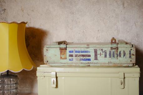 Coffre malle ancienne bois patine vert bleu - Les Vieilles Choses