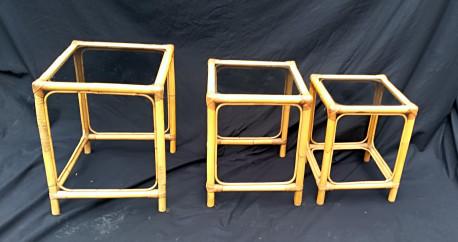 Tables gigognes en rotin vintage