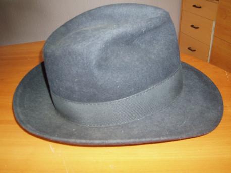 """Chapeau noir marque """" PL"""" ( Depuis 1843 )"""