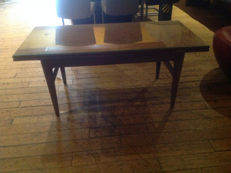Table scandinave vibrage