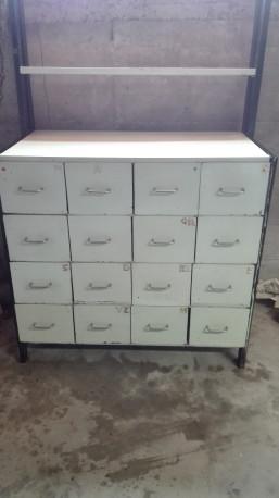 meuble a tiroirs vintage