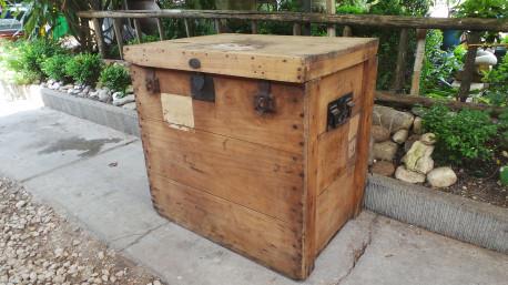 Coffre en bois malle ancienne