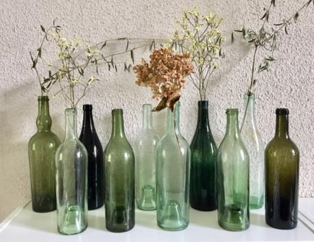 Série de 10 bouteilles anciennes