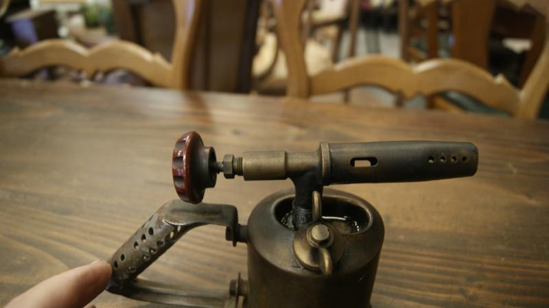 lampe souder en cuivre laiton ancienne les vieilles choses. Black Bedroom Furniture Sets. Home Design Ideas