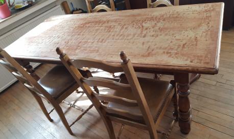 table ch ne massif ancienne les vieilles choses. Black Bedroom Furniture Sets. Home Design Ideas