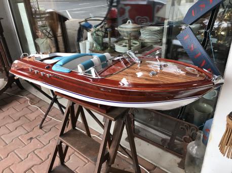 Maquette bateau Riva Aquarama 120 cm