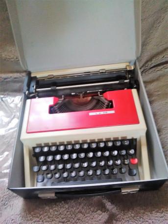 Machine à écrire L.J. (underwood) 315