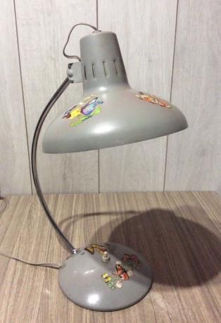 Lampe de bureau ancienne vintage années 60 70 grise décor papillon métal