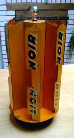 Présentoir Tourniquet Cirage Lion Noir Vintage
