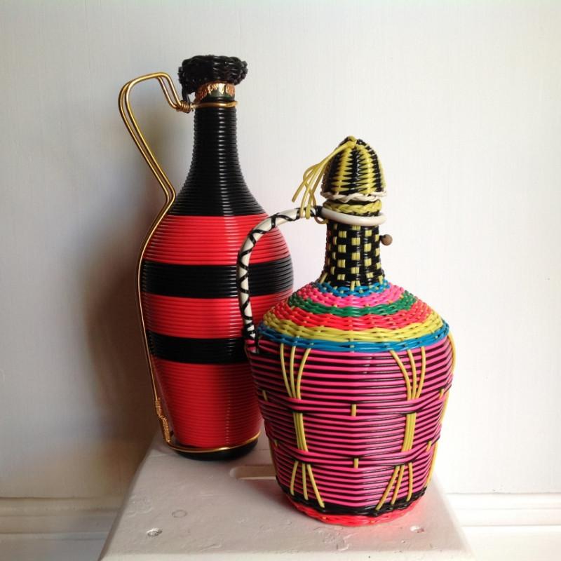 bouteilles scoubidou vintage les vieilles choses. Black Bedroom Furniture Sets. Home Design Ideas