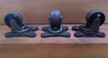 Roulettes en fonte vintage
