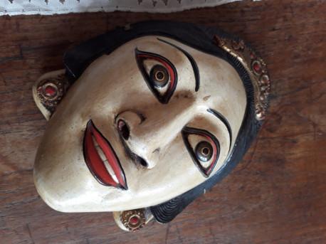 Masque de théâtre indonésien ancien