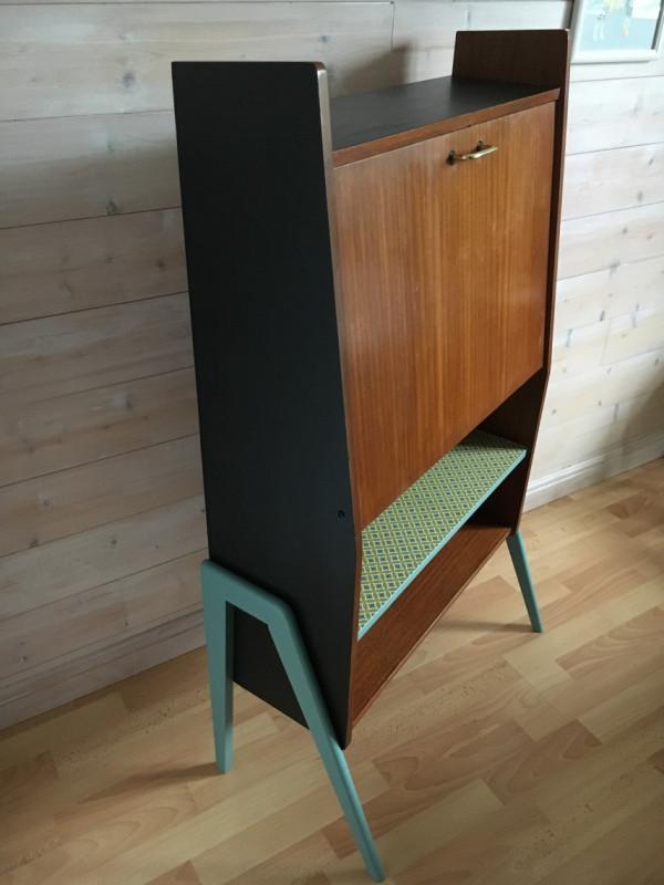 meuble secr taire vintage les vieilles choses. Black Bedroom Furniture Sets. Home Design Ideas