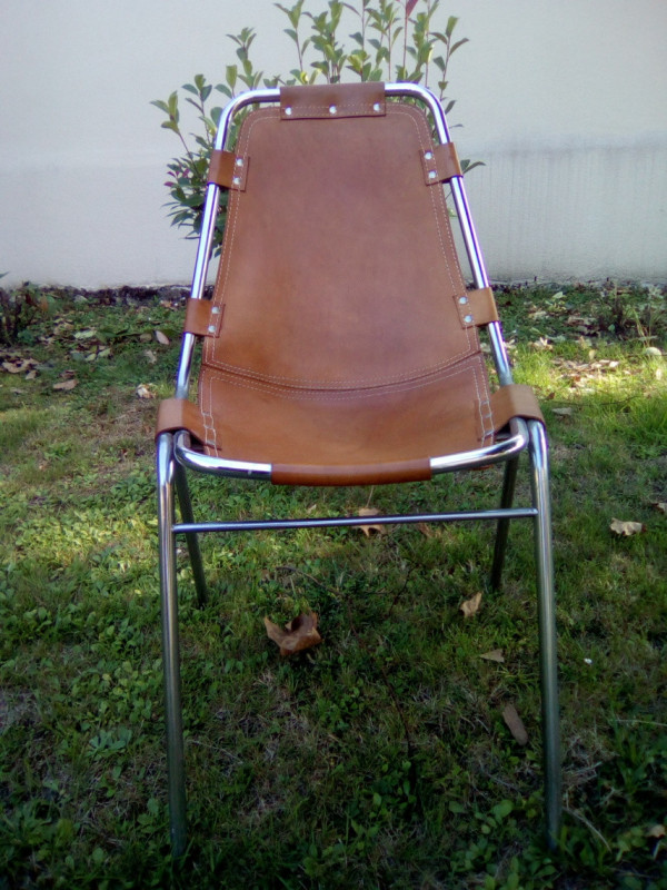 chaises les arcs charlotte perriand les vieilles choses. Black Bedroom Furniture Sets. Home Design Ideas