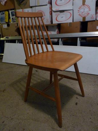 Chaises en bois vintage