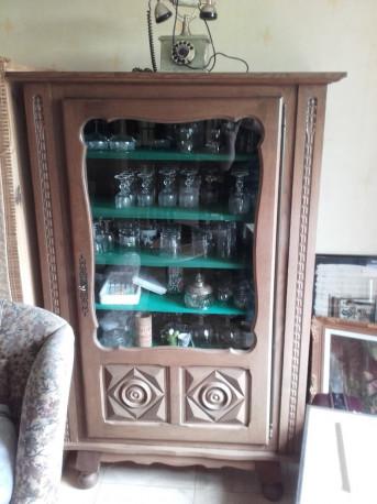 Vitrine bois massif vintage