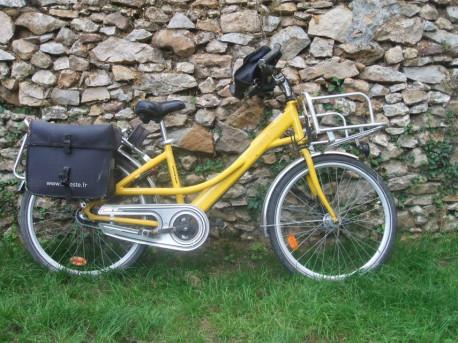 Vélo porteur La Poste années 2000