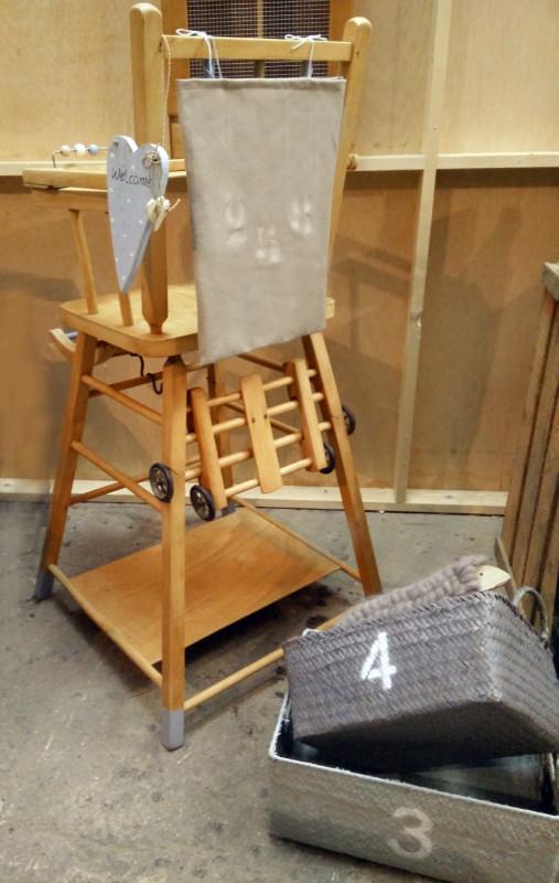 chaise haute b b vintage les vieilles choses. Black Bedroom Furniture Sets. Home Design Ideas