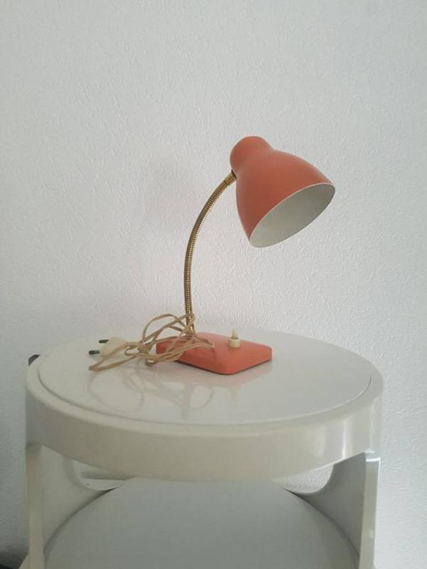 lampe de bureau ann es 60 vintage les vieilles choses. Black Bedroom Furniture Sets. Home Design Ideas
