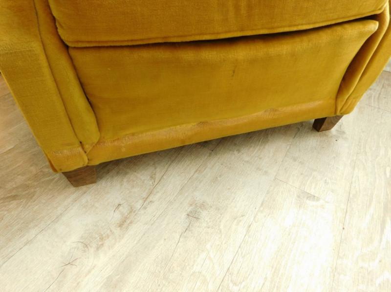 fauteuil en velours jaune moutarde vintage les vieilles choses. Black Bedroom Furniture Sets. Home Design Ideas