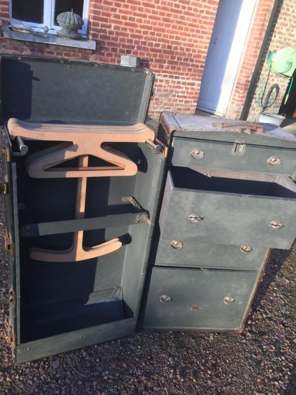 malle cabine vintage les vieilles choses. Black Bedroom Furniture Sets. Home Design Ideas