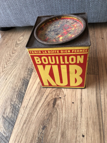 Boîte ancienne vintage