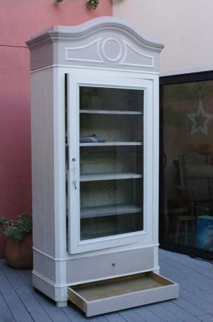 armoire bonnetiere avec porte vitrine ancienne les vieilles choses. Black Bedroom Furniture Sets. Home Design Ideas